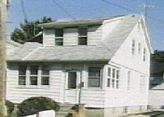 Foreclosed Home en 195TH ST, Saint Albans, NY - 11412