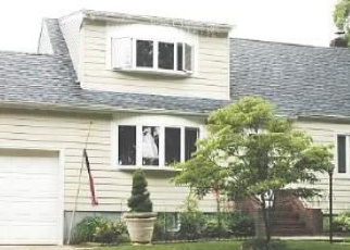 Foreclosed Home en 11TH AVE, West Babylon, NY - 11704
