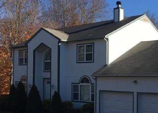 Foreclosed Home en CRANBERRY LN, Shrub Oak, NY - 10588