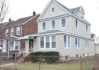 Foreclosed Home en 204TH ST, Saint Albans, NY - 11412