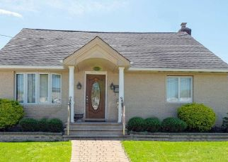 Casa en ejecución hipotecaria in Mineola, NY, 11501,  HILL ST ID: P1162996