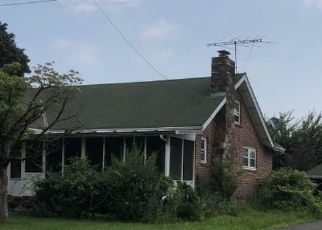 Foreclosed Home en WAYNE AVE, West Haverstraw, NY - 10993