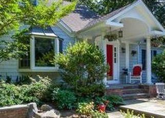 Foreclosed Home en HILLSIDE RD, Stony Brook, NY - 11790