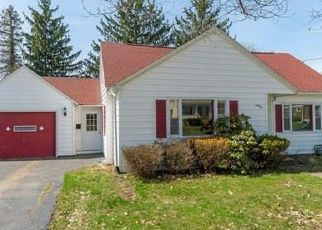 Foreclosed Home en CHAUTAUQUA AVE, Jamestown, NY - 14701