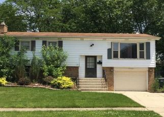 Foreclosed Home en BIRCH AVE, Country Club Hills, IL - 60478