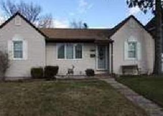Foreclosed Home en WASHINGTON DR, Lindenhurst, NY - 11757