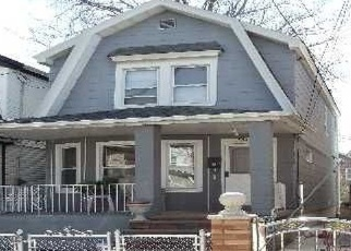 Foreclosed Home en 91ST AVE, Richmond Hill, NY - 11418