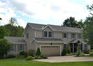 Foreclosed Home en CANTERBURY CT, Chagrin Falls, OH - 44023