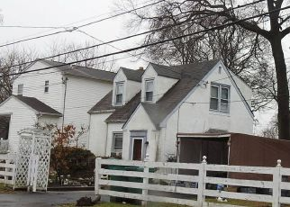 Foreclosed Home en SYCAMORE AVE, Croydon, PA - 19021
