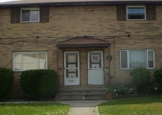 Foreclosed Home en EASTWOOD AVE, Maple Heights, OH - 44137