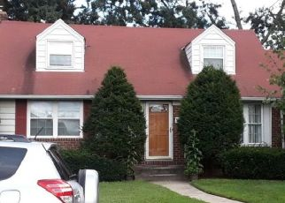 Foreclosed Home in MAPLE DR, Franklin Square, NY - 11010
