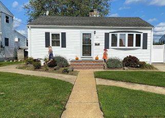 Casa en ejecución hipotecaria in Freeport, NY, 11520,  ROBERT ST ID: P1167391