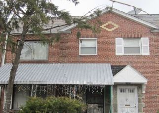 Foreclosed Home en 56TH AVE, Flushing, NY - 11355