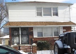 Foreclosed Home en RIVERTON ST, Saint Albans, NY - 11412