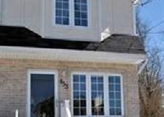Foreclosed Home en VAN NAME AVE, Staten Island, NY - 10303