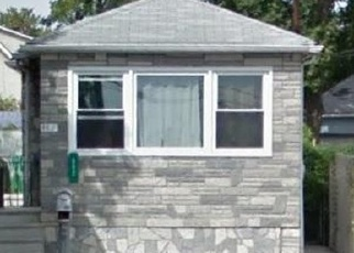 Foreclosed Home en RICHMOND AVE, Staten Island, NY - 10303