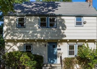 Foreclosed Home en FERNDALE RD, Scarsdale, NY - 10583