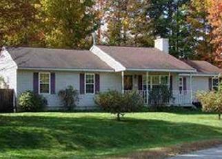 Foreclosed Home en SCHUYLER HTS DR, Gansevoort, NY - 12831