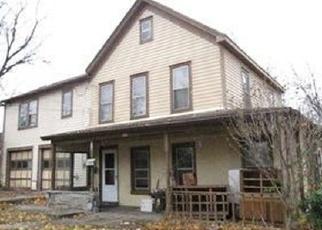 Foreclosed Home en E CHESTER ST, Kingston, NY - 12401