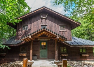 Foreclosed Home en CRAG POINT RD, Eagle Bay, NY - 13331