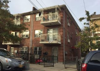 Foreclosed Home en PILGRIM AVE, Bronx, NY - 10461