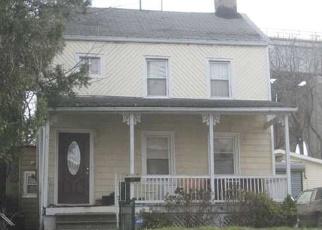 Foreclosed Home en MORNINGSTAR RD, Staten Island, NY - 10303