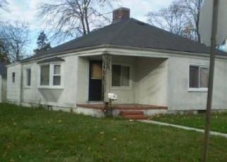 Foreclosed Home en RUTLAND RD, Freeport, NY - 11520