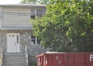 Foreclosed Home en SLOAN ST, Springfield Gardens, NY - 11413