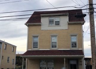 Foreclosed Home en CATHERINE ST, Mc Kees Rocks, PA - 15136