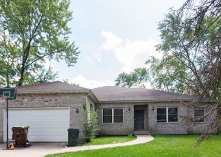 Foreclosed Home en MARY ANN LN, Country Club Hills, IL - 60478