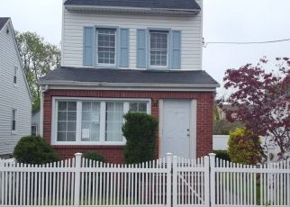 Foreclosed Home en GOTHAM AVE, Elmont, NY - 11003