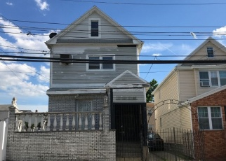 Foreclosed Home en 133RD AVE, South Ozone Park, NY - 11420