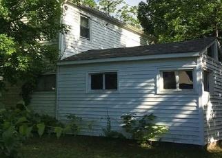 Foreclosed Home en BEACON LN, Hicksville, NY - 11801