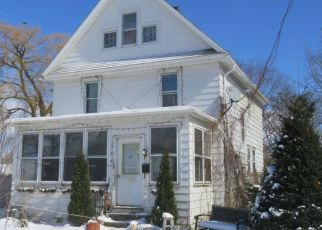 Foreclosed Home en MAIN ST, Dunkirk, NY - 14048