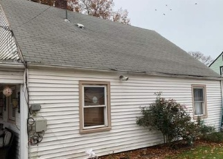 Foreclosed Home in LILY LN, Levittown, NY - 11756