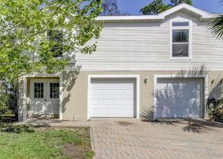 Foreclosed Home en MARINA PALMS DR, Port Richey, FL - 34668