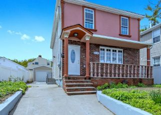 Foreclosed Home en 185TH ST, Springfield Gardens, NY - 11413