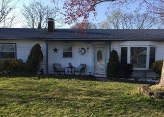 Casa en ejecución hipotecaria in Centereach, NY, 11720,  STONEHURST CIR ID: P1172881