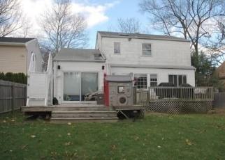 Casa en ejecución hipotecaria in Huntington Station, NY, 11746,  KLARMAN CT ID: P1172903