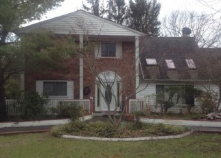 Foreclosed Home en GROVE AVE, Coram, NY - 11727