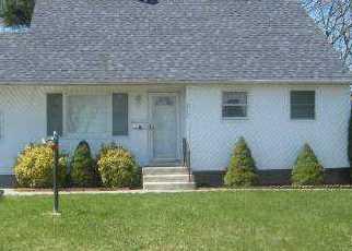 Casa en ejecución hipotecaria in Brentwood, NY, 11717,  GRAND BLVD ID: P1174666