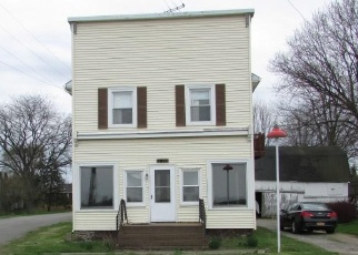 Foreclosed Home en COUNTY LINE RD, Lyndonville, NY - 14098