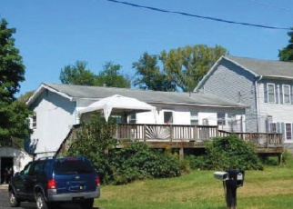 Foreclosed Home en ANTHONY ST, Middletown, NY - 10940