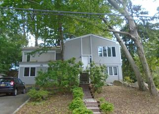 Foreclosed Home en SHADOW LN, Larchmont, NY - 10538