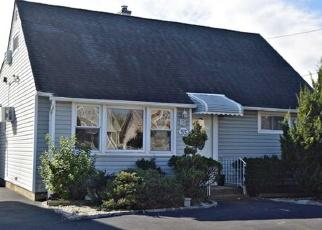 Foreclosed Home en EVANS AVE, Oceanside, NY - 11572