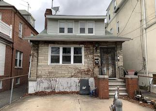 Foreclosed Home en YATES AVE, Bronx, NY - 10461