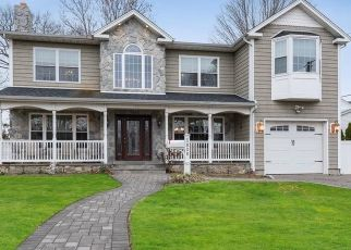 Foreclosed Home in FAIRWAY RD, Franklin Square, NY - 11010