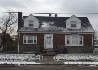 Foreclosed Home in FAIRMOUNT ST, Valley Stream, NY - 11580
