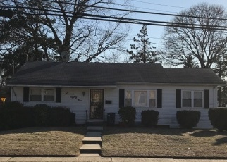 Foreclosed Home en HOWELL RD, Valley Stream, NY - 11580