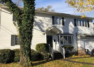 Foreclosed Home en W 12TH ST, Deer Park, NY - 11729